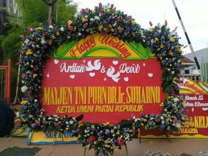 Papan Bunga Wedding Surabaya