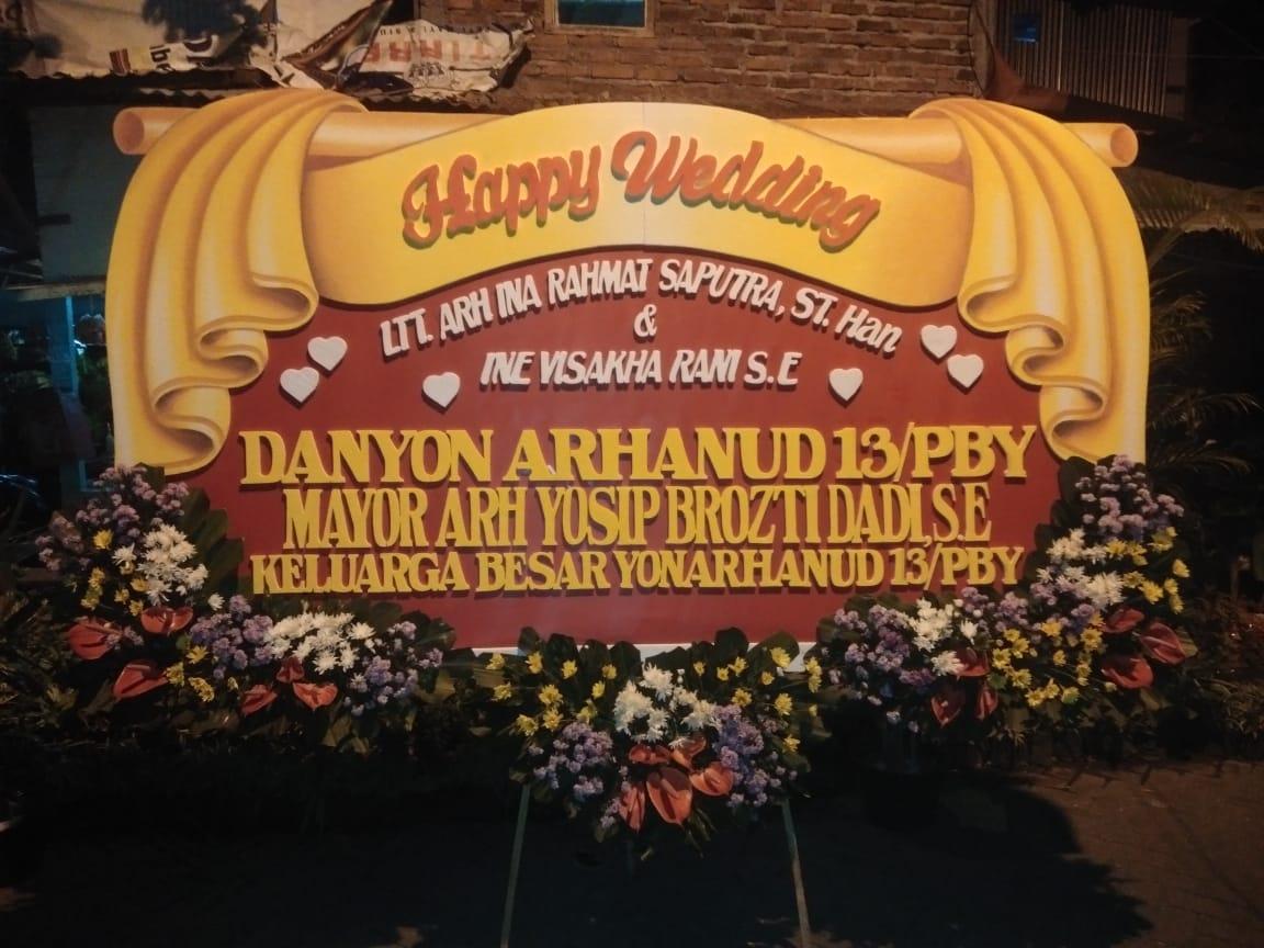 bunga papan pernikahan gresik