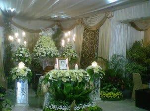 jasa dekorasi bunga tutup peti surabaya