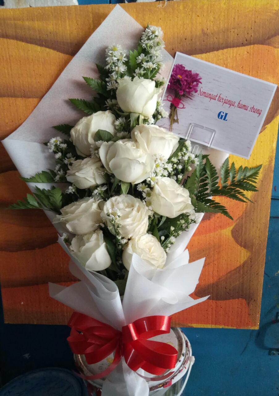 bunga tangan surabaya murah